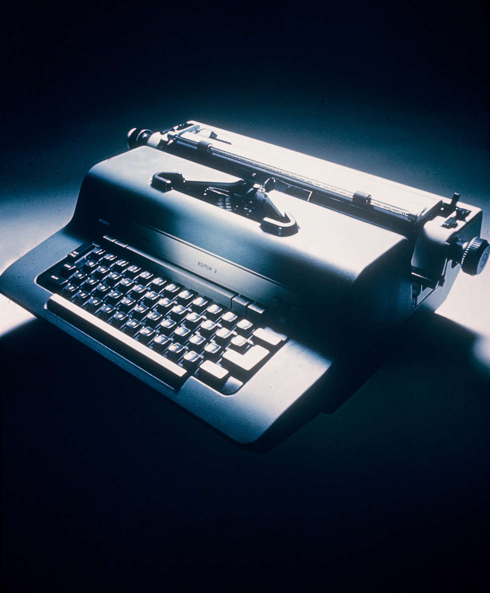 How Market Works >> Editor 2 electric typewriter