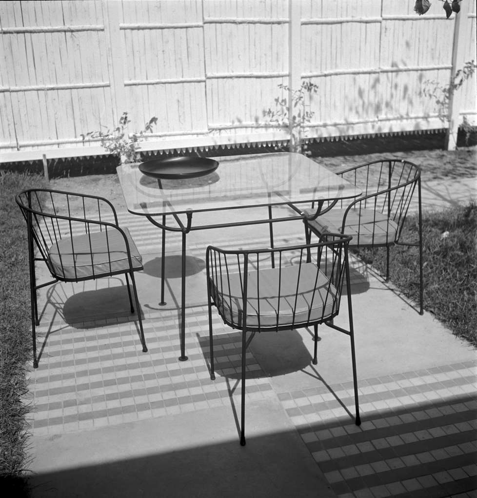 Arbuck, Steel wire garden furniture
